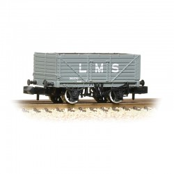 7 Plank Wagon End Door LMS...